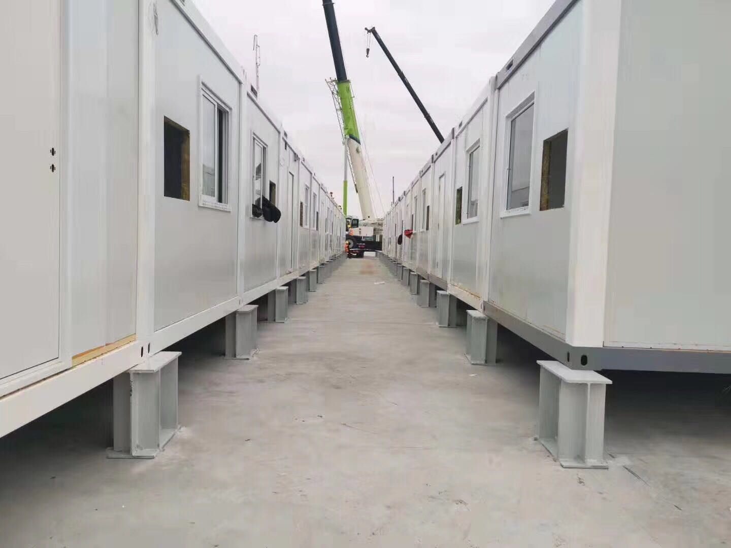 video-Flat Pack Container House For Hospital Clinic Isolation Room-WELLCAMP-img-2